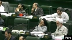 İranın daxili işlər nazirindən parlament qarşısında hesabat vermək tələb olunub