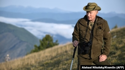 A Very Humane Human Putin Gets Love Love And More Love From New State Tv Show