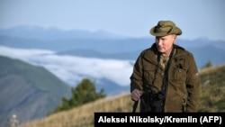 Владимир Путин на отдыхе в Туве в августе 2018 года