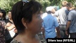 Асия Маханова, посетитель ярмарки вакансий. Шымкент, 20 августа 2015 года.