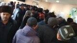 Таджикистанцы не могут получить денежные переводы