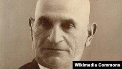 Süleyman Sani Axundov.