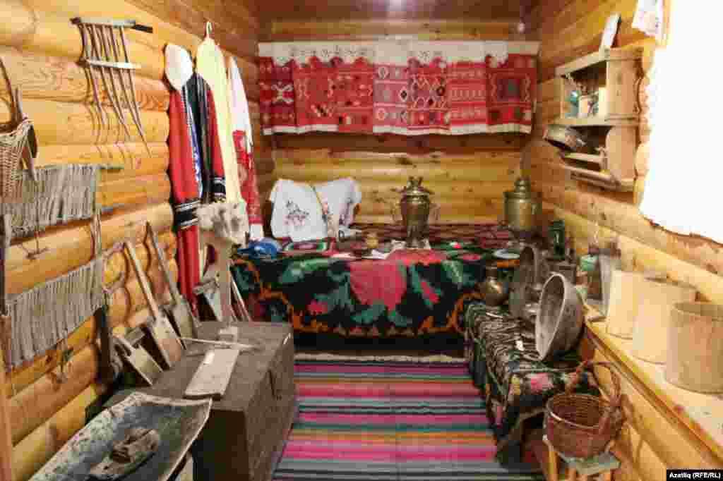 Гафуриның туган авылында музей күренеше