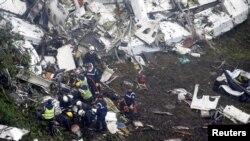 Preliminarna istraga pokazuje da u avionu u trenutku udara nije bilo goriva: Mesto na kojem se srušio avion