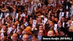 Glasanje na Izbornoj skupštini SNS-a, Beograd, 28. maj 2016.