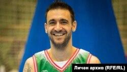 Капитанът на българския националенотбор по баскетбол в инвалидни колички Николай Ваклинов