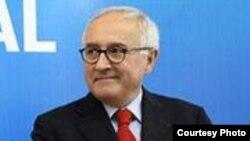 Франциянинг Ўзбекистондаги Фавқулодда ва мухтор элчиси Франсуа Готье.