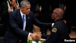 Barack Obama və David Brown