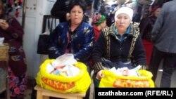 Türkmenabat, bikanun derman bazary
