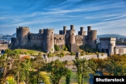 Замак у Валіі