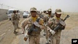 Иранның есірткімен күрес қызметі Ауғанстанмен арадағы шекара маңын шолып жүр. Заболь, 16 шілде 2011 жыл