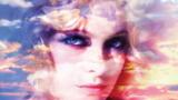 Detaliu de pe coperta albumului Head First, Goldfrapp, 2010