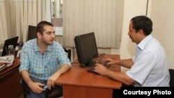 soldan sağa: Mövlud Mövlud və Etimad Başkeçid