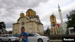 Мечети и церкви часто мирно сосуществуют (архивное фото)
