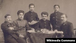 Çəmənzəminli və azərbaycanlı tələbələr, Kiyev, 1913