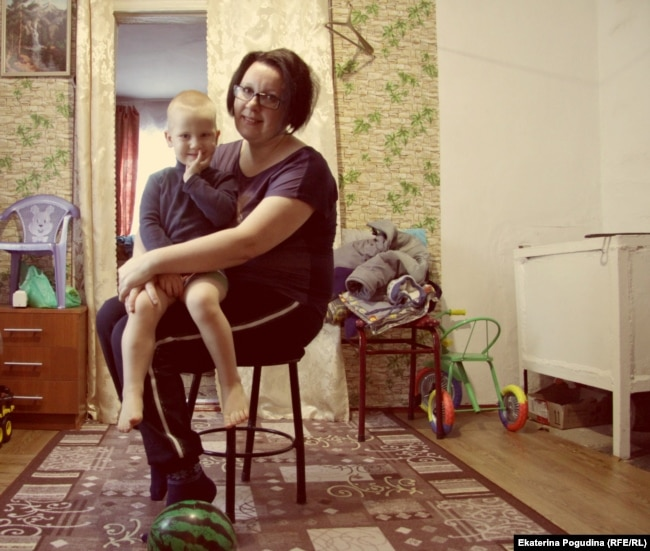 Viktoria Mityushkina was able to support her family working as a chef.