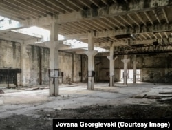 Pamje nga punëtoria që gjendej brenda burgut të Goli Otok-ut.
