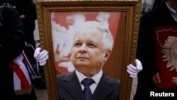 2010 жылы ұшақ апатынан қаза тапқан Польша президенті Лех Качинский.