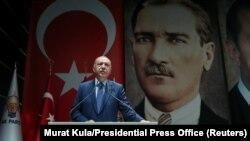 تلاش برای احیای هژمونی نوعثمانی نمادیبرای گرایش ترکیه در دنبال کردن اهداف نظامی بهرغم حضور در ناتوست