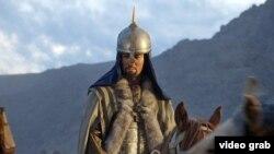 «Аманат» фильмінде қосымша желі арқылы Ресей империясына қарсы көтерілісті бастаған Кенесары Қасымов көрсетіліп отырады.