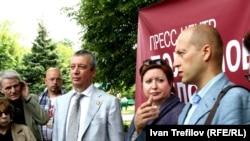 Ольга Романова, адвокаты Вадим Клювгант (слева) и Дмитрий Аграновский