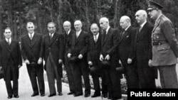 Аъзои ҳукумати сарвазир Муҳаммад Мусаддиқ дар соли 1951.