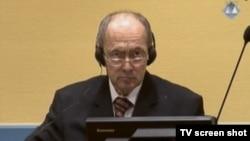 Zdravko Tolimir u sudnici Haškog tribunala, 28. listopad 2013.