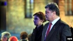 Петро Порошенко і його дружина Марина на заходах у музеї «Аушвіц-Біркенау», 27 січня 2015 року