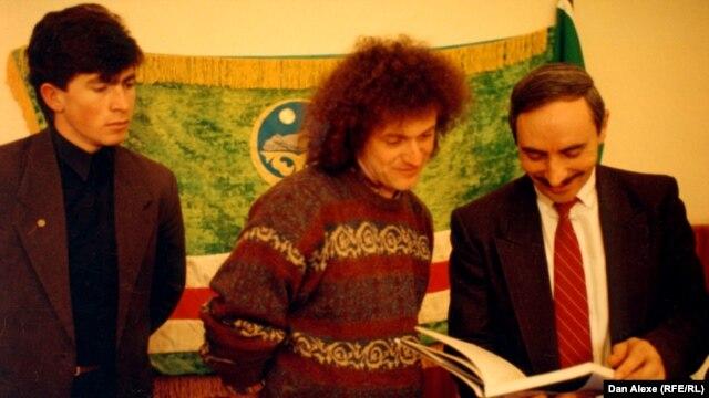 Dan Alexe cu liderul cecen Djokhar Dudaev