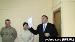 Дзьмітры Вус выступае на прэсавай канфэрэнцыі ў Менску