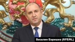 Президентът Румен Радев поиска КС да обяви за противоконституционни общо шест текста от променения Закон за здравето