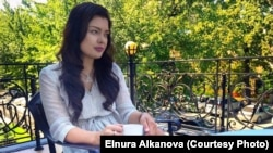 Freelance Kyrgyz journalist Elnura Alkanova has been charged with seeking and disclosing confidential commercial information following the publication late last year of an investigative report about the sale of government property. (file photo)