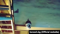Бишкек ЖЭБиндеги видеокамералар. Сүрөт депутат Акылбек Жамангловдуку. 14-март, 2018-жыл.