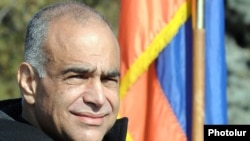 Armenia -- Opposition leader Raffi Hovannisian continues his hunger strike in Yerevan's Liberty Square, 16Mar2011.