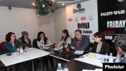 Армениядағы танымал үкіметтік емес ұйымдарды билік қаржыландырмайды. (Көрнекі сурет)