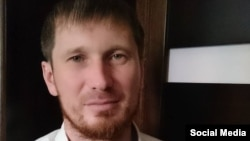 Мордовиядә яулыклы мөслимә укучыларның хокукларын яклаучы Марат Ашимов