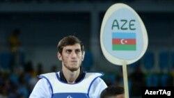 Taekvandoçu Radik İsayev Azərbaycanın ilk qızıl medalını qazandı