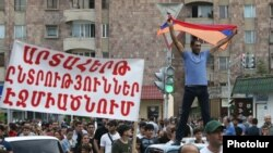 Armenia - People rally in Echmiadzin to demand the resignation of its Mayor Karen Grigorian, 16 June 2018.