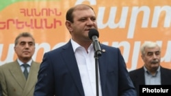 Yerevan Mayor Taron Markarian (file photo)