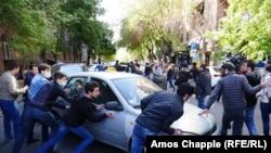 Протестующие на улицах Еревана, 17 апреля 2018
