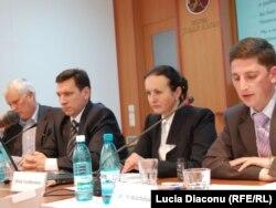 Iurie Pintea, Veaceslav Bulat, Stela Corobceanu, Vlad Arachelov (de la stînga spre dreapta)