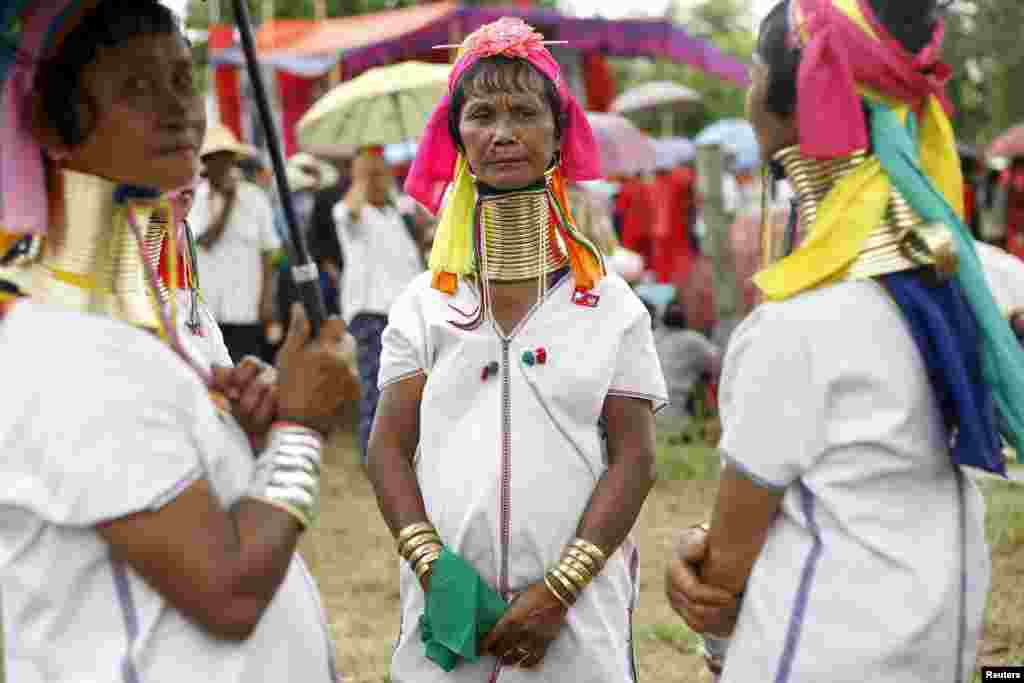 Президентом країни є Тейн Сейн, наступник мілітаристського уряду М'янми