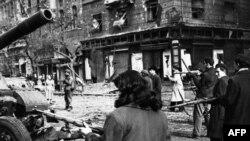 Будапешт, осень 1956 года. Подавление венгерского восстания советскими войсками надолго отравило отношения венгров и русских