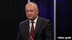 Moldovan President Igor Dodon gives an interview to RFE/RL on August 22.