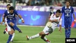تیم استقلال بازی خود در برابر راه آهن را با نتیجه دو بر صفر به پایان رساند و به رده نهم جدول صعود کرد.