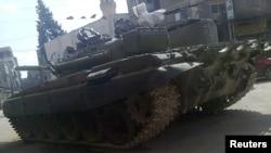 تانک ارتش در یکی از محلات دمشق، پایتخت سوریه