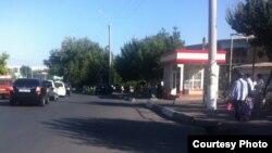 Автобусная остановка рядом со столичным рынком «Чорсу», где в пятницу прогремел взрыв.