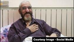 آقای سلحشور مدتها به بیماری سرطان ریه مبتلا بود