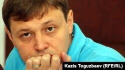 Главный редактор оппозиционной газеты «Взгляд» Игорь Винявский. Алматы, 29 июня 2011 года.