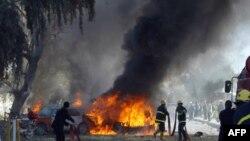 سيارات تحترق بعد إنفجار سيارة مفخخة في كركوك